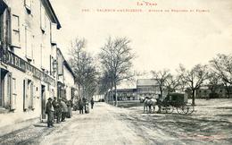 Valence D'Albigeois - Avenue De Réquista Et Foirail - Le Courrier Devant Hotel Des Voyageurs - Valence D'Albigeois