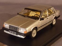 PremiumX 438, Volvo 740 Turbo, 1985, 1:43 - Voitures, Camions, Bus