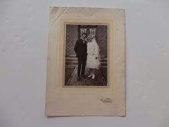 Photo D'un Couple De Mariés, Photo Girardot à Gournay-en-Bray (76). 25cm/18cm. - Fotos