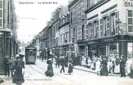 N°33281 -cpa Charleville -la Grande Rue-tramway- - Charleville