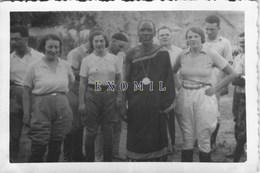 Afrique Africain Chef Tribu  Promenade  Colon Colonial Touriste Vacances 6x9cm  Photo Ancienne - Unclassified