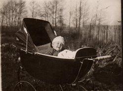 Photo Originale Landau & Poussette Vers 1920/30 - Superbe Landau & Enfant En Foret - Objetos
