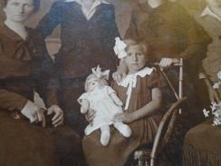 D144693 Social History - Family Photo Atelier Mindszenty -Bratislava  Telefon 917-Doll - Fotografia
