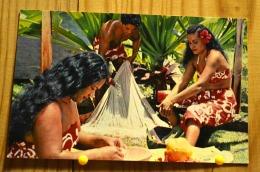 TAHITI PIN UP SEMI NUE TAHITIENNE GRATTAGE NOIX DE COCO NETTOYAGE FILET  SCAN R/V - Pin-Ups