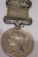 Médaille De SEBASTOPOL  En Argent 1854.Médaille De Crimée Par WYON. - Médailles & Décorations