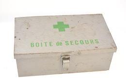 Boîte De Secours / Boîte à Pharmacie En Tole Année 1950-1970 - Equipement