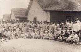 CP Photo 1912 CAMP D'AVORD (Avor) - Un Groupe De Soldats (A163) - Avord