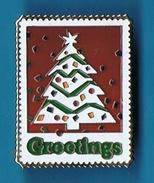 PIN´S //  ** SAPIN DE NOËL ** GREETINGS ** USA ** - Christmas