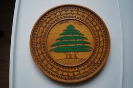 Assiette Décorative En Cèdre Faîte Au Liban, Années 70 - Art Oriental