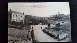 CPA D71 La Roche Vineuse école De Garçons - Frankreich