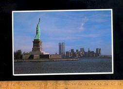 NEW YORK USA : Statue Of Liberty  Manhattan Twin Towers - Long Island