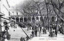 81 Castres - La Place Nationale - Animée - Grand Bazar - Castres