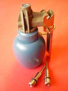 GRENADE A PLATRE, INERTE ( FRANCE ) - Decorative Weapons