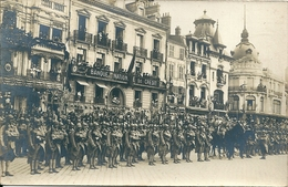 75 PARIS - Rue Legendre , Banque Nationale De Credit , Hotel Legendre , Les Troupes ( Carte Photo ) - Arrondissement: 17