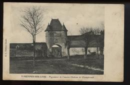 Varennes Sur Loire Pigeonnier De L Ancien Chateau De Champhrault - Other Municipalities