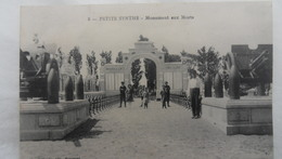 Petite Synthe - Monument Aux Morts - France