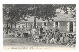LE CAMP DU RUCHARD (cpa 37)  L'Heure De La Soupe -    - L 1 - Manovre