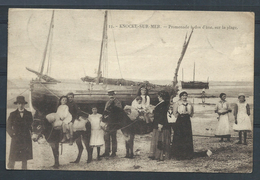 +++ CPA - KNOKKE - KNOCKE - Promenade à Dos D'âne Sur La Plage - Henri Georges  // - Knokke