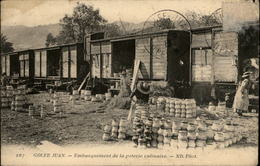 06 - GOLFE-JUAN - Embarquement De La Poterie Culinaire - Train - Wagons - Vallauris