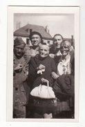 25  PONTARLIER    Libération 1945    Photo   Grande Rue   Femmes Libérées Après Avoir été Entendues Par Les FFI - Pontarlier