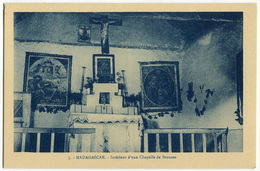 CARTOLINA MADAGASCAR OEUVRE DES PRETRES MALGACHE INTERIEUR D'UNE CHAPELLE DE BROUSSE RELIGIONE - Madagascar