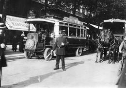CPSM - AUTOBUS -ATTELAGE -POLICIER EN 1900 - Cartoline