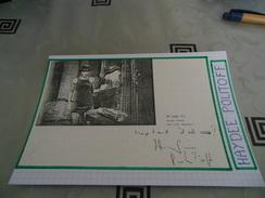 AUTOGRAPHE DÉDICACÉ ET AUTHENTIQUE D'HAYDEE POLITOFF SUR COUPURE DE PRESSE COLLÉE SUR CARTON BRISTOL (15 X 21 Cm) - Autographs