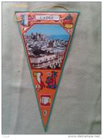 Banderín De Cadiz. Andalucía. España - Escudos En Tela