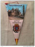 Banderín De Jerez De La Frontera. Cadiz. Andalucía. España - Escudos En Tela