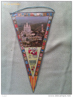Banderín De El Tibidabo. Barcelona. Cataluña. España - Escudos En Tela