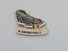 Pin's PATINAGE, EINDHOVEN 1992, EK JUNIOREN POULE C - Invierno