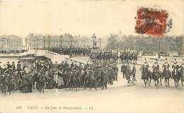 PARIS    UN JOUR DE MANIFESTATION    CUIRASSIER - France