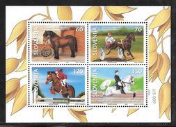 Slovenia: 1999 Horses Miniature Sheet MNH - Slovénie