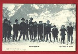 PRC-02 Jeunes Skieurs, Lieu à Déterminer Dorfjugend Im Winter, Ski Et Luge. TRES ANIME. Non Circulé. Phototypie 9723 - Unclassified
