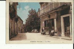 Ansouis  84   La Place Et La Rue Animée_Café Le Cercle - Ansouis