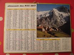 Calendrier Illustré En Carton De 1977. Almanach Des PTT Postes Facteur. Montagne. Laval Mayenne - Big : 1971-80