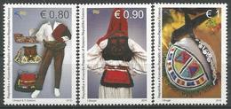 KOS 2015-312-4 COSTUMS, KOSOVO, 1 X 3v + S/S, MNH - Kosovo