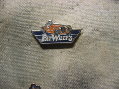 Pin's Pat'Willy's, Voitures Anciennes - Badges