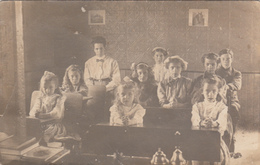 RPPC Real Photo - CYKO Paper Logo - 1904-1920 - Little Girls School Class - Animated - 2 Scans - Cartes Postales