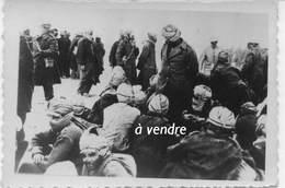 Soldats Nordafricains Capturés Part Les Allemands, Probablement à Dunkerque, 1940 - Guerre, Militaire