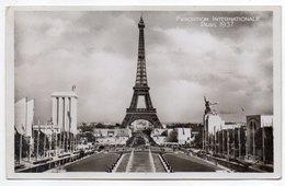 PARIS--1937--Exposition De 1937-Vue D'ensemble Pris Du Trocadéro (Tour Eiffel) Cpsm 14 X 9 N°183 éd Chipault-Cachet EXPO - Expositions