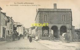 85 Maillezais, Grande Rue Et Hotel De Ville, Animée, Très Belles Charrettes...., Carte Pas Courante - Maillezais