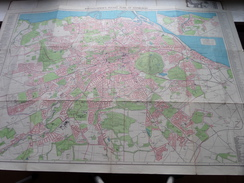 Bartholomew's Pocket Plan Of EDINBURGH  And Suburbs ( Oudere 2de Hands Kaart Op Katoen / Cotton ) ! - Europa