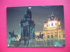 WIEN.Kunsthistorisches Museum.Denkmal Kaiserin Maria-Theresia - Museos