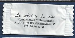 Enveloppement Au Chocolat.-  NICOLE ET JEAN HERNANDEZ. HOTEL Confort Restaurant. - Le Relais Du Lac - 2 Scans - Andere Verzamelingen