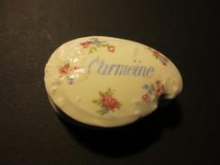 Boite En Porcelaine De Limoges Ancienne - Carmeïne -  G . Prunier - 110 Rue De Rivoli - Paris - TBE - - Boxes