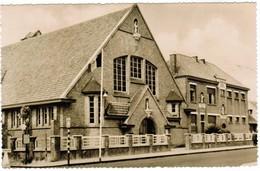 St Idesbald, De Kerk En School (pk32088) - Koksijde