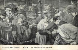 PARIS  UN COIN DES HALLES CENTRALES COLLECTION PETIT JOURNAL - Arrondissement: 01