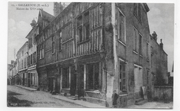 (RECTO / VERSO) GALLARDON - N° 11 - MAISON DU XVIe SIECLE AVEC ENFANT - DOS ABIME - CPA - France
