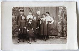 Carte Photo Famille Bretonne PENNEC Yves Louise Eugène Augustine Boulch Bretagne - Cartes Postales